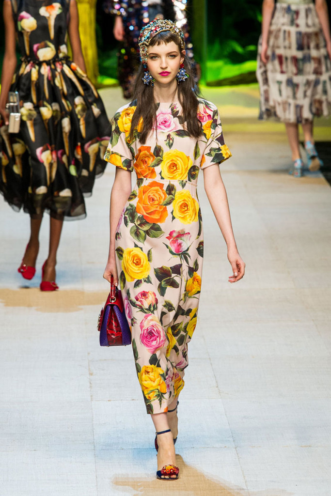hbz-trends-spring-2017-florals-06-dolce-e-gabb-rs17-2191_2